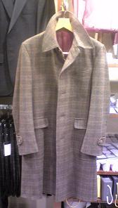 ジャケット生地で創った新作コートです。